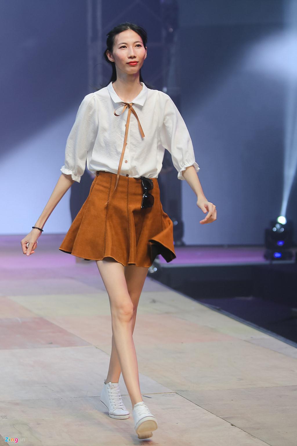 Hà Hồ và dàn mẫu Next Top Model tập luyện cho đêm chung kết