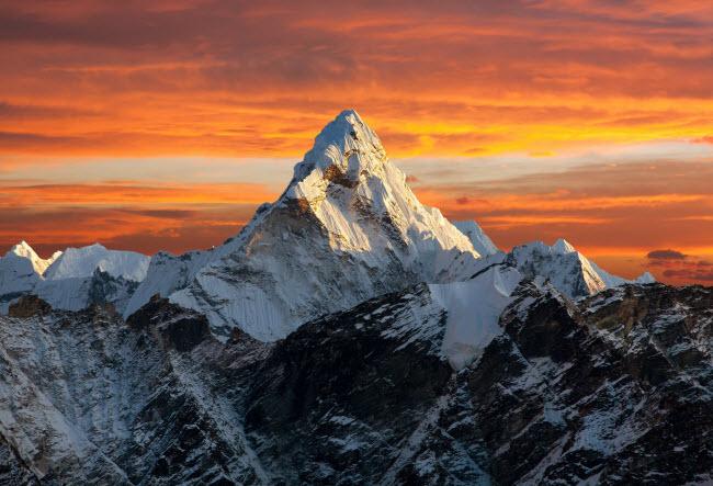 Thổn thức với 20 ngọn núi ngoạn mục nhất thế giới
