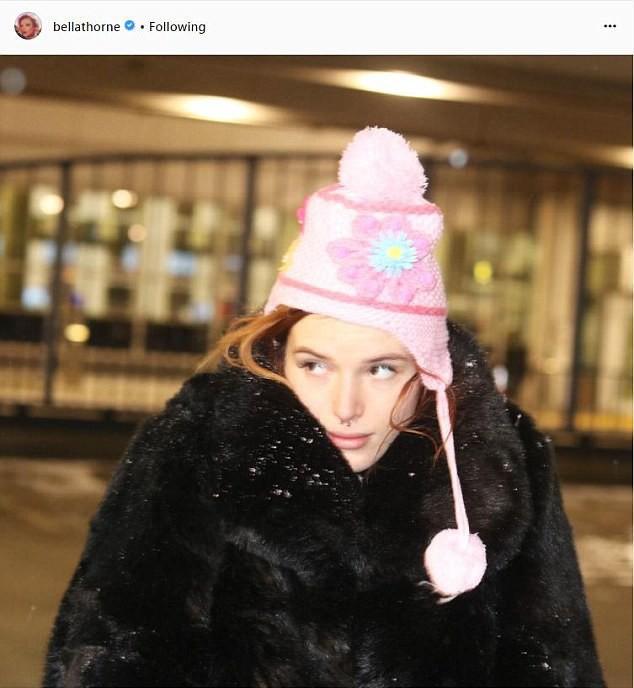Công chúa Disney Bella Thorne bất ngờ tiết lộ bị lạm dụng tình dục từ bé cho tới năm 14 tuổi