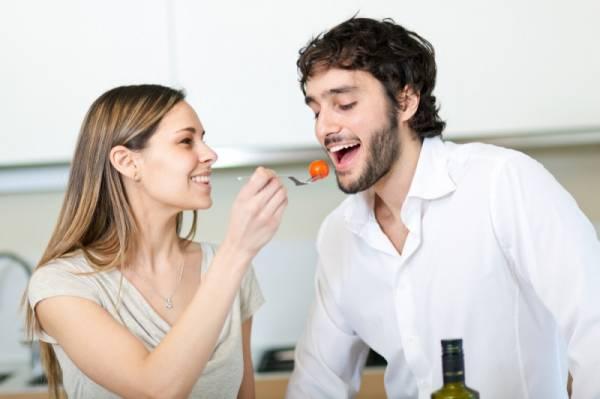 Vợ chồng nên chia sẻ với nhau những điều gì trong cuộc sống để hôn nhân luôn hạnh phúc