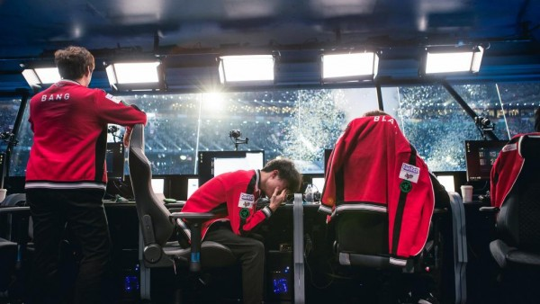 LMHT: Hóa ra Faker khóc là do kìm nén cảm xúc đã lâu, vì SKT T1 thua nên mới giải tỏa được