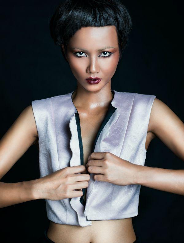 Phong cách cá tính, sexy của HHen Niê trước khi thành hoa hậu