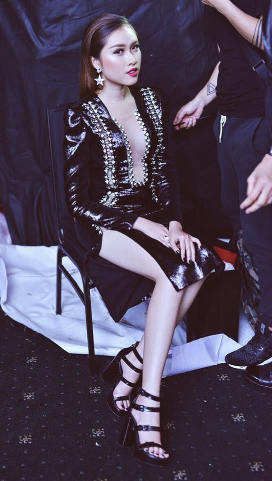 Sở thích mặc gợi cảm của nữ MC nóng bỏng nhất VTV từng thi hoa hậu
