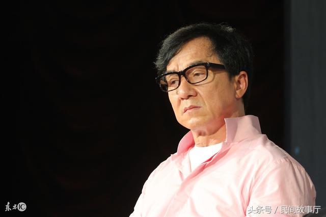 Thành Long nói về quá khứ khai chiến với giang hồ Hong Kong