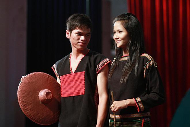 Hình ảnh hiếm của HHen Niê năm 19 tuổi bất ngờ được tung ra