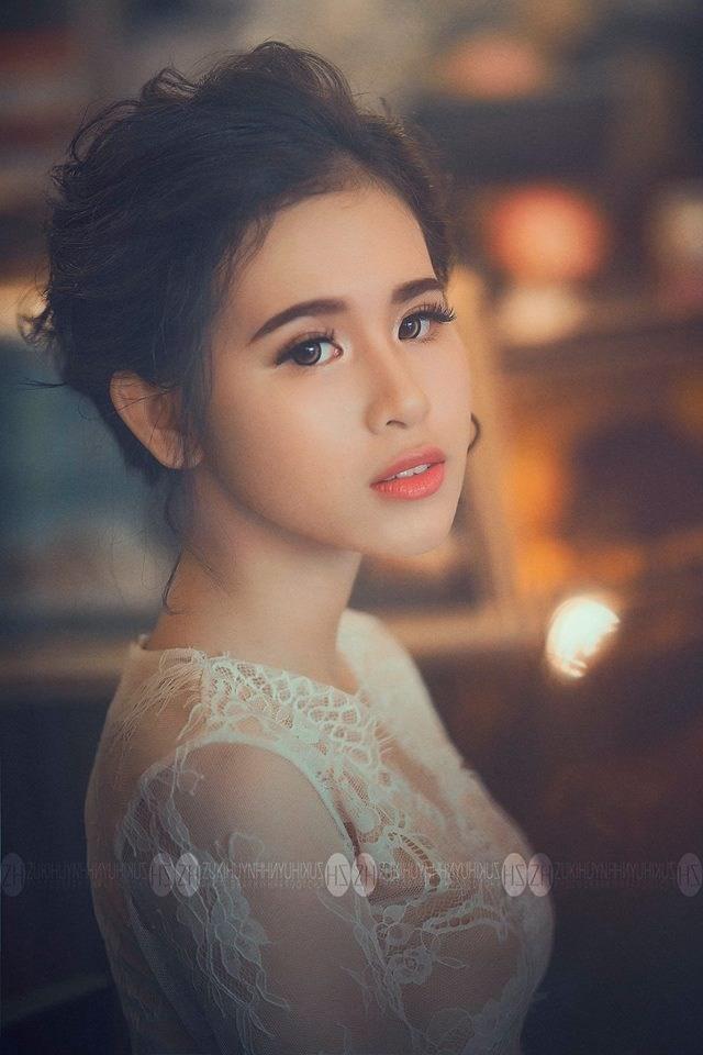 Nữ du học sinh Việt nóng bỏng tựa siêu mẫu