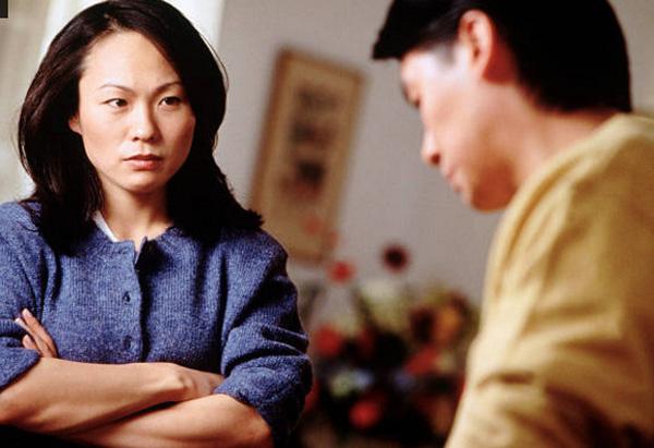 Điều phụ nữ đừng nên nói với chồng để hôn nhân hạnh phúc