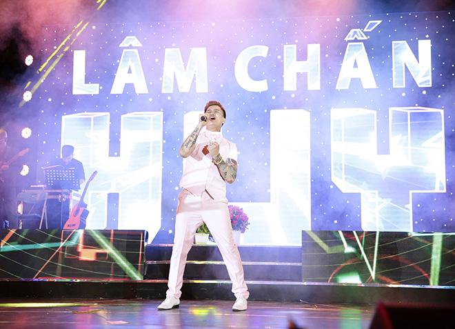 Lâm Chấn Huy nhập viện cấp cứu trước ngày diễn ra liveshow 15 năm ca hát