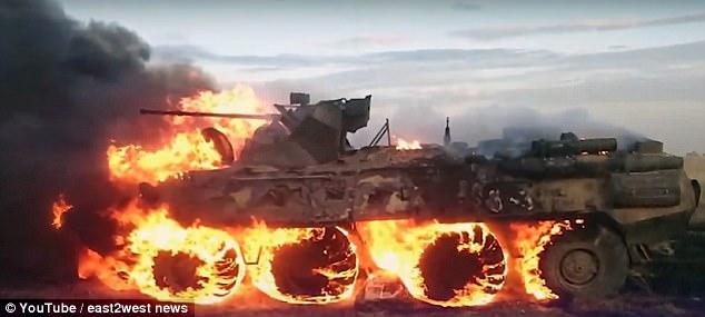 Lính Nga lỡ tay thiêu cháy tan tành xe bọc thép 500.000 USD
