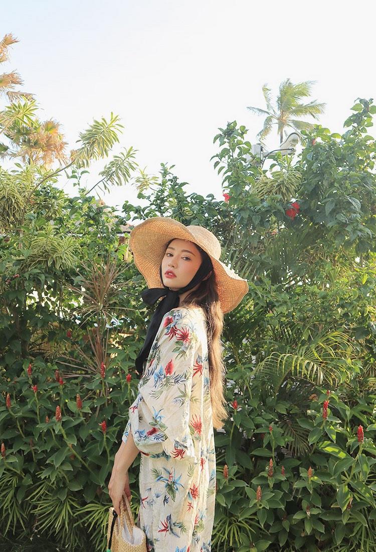 Ngắm người đẹp Park Sora khoe dáng gợi cảm