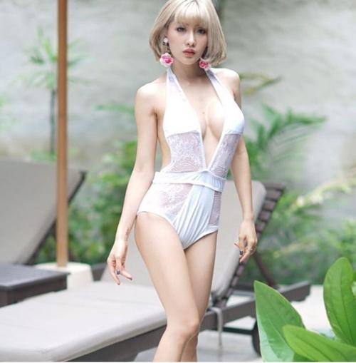 """Nội y, áo tắm xẻ tận rốn nhìn muốn """"độn thổ"""" của mỹ nhân châu Á"""