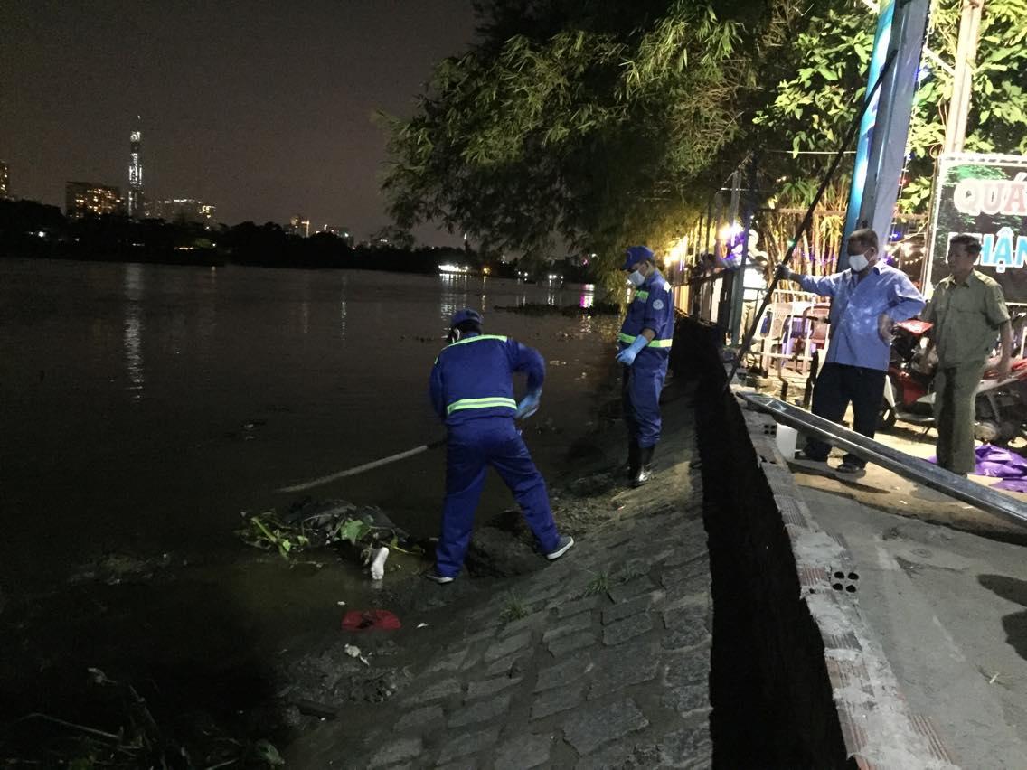 Phát hiện thi thể đàn ông trôi trong đám lục bình trên sông Sài Gòn