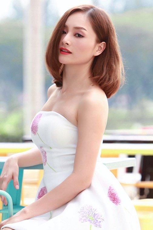 lan phuong mac bikini quyen ru the nay bao sao ban trai tay me m 58d1c6 Lan Phương mặc bikini quyến rũ thế này, bảo sao bạn trai Tây mê mệt