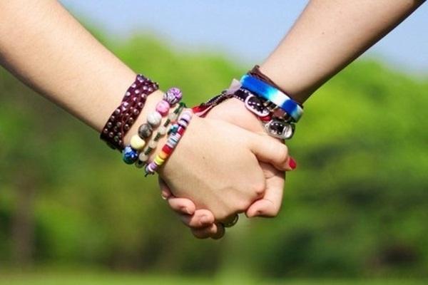 Tình yêu của người song tính: Có mãnh liệt đến đâu cũng chẳng thể tồn tại!