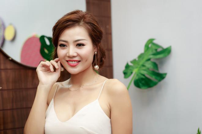 Người đẹp Việt phát cuồng hứa trao nụ hôn cho U23 Việt Nam - Hình 2