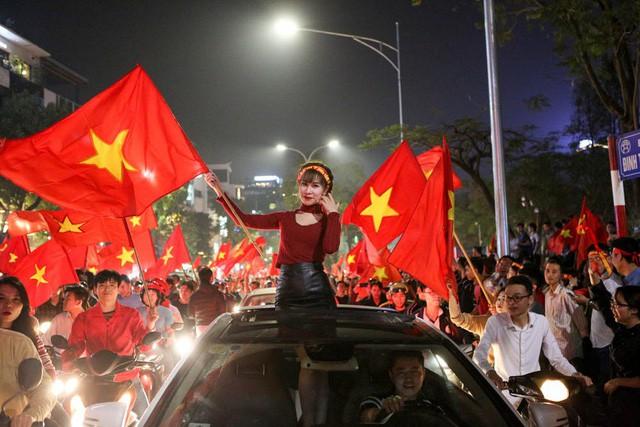 Hà Nội, TPHCM lắp hàng chục màn hình khủng chiếu trận chung kết U23