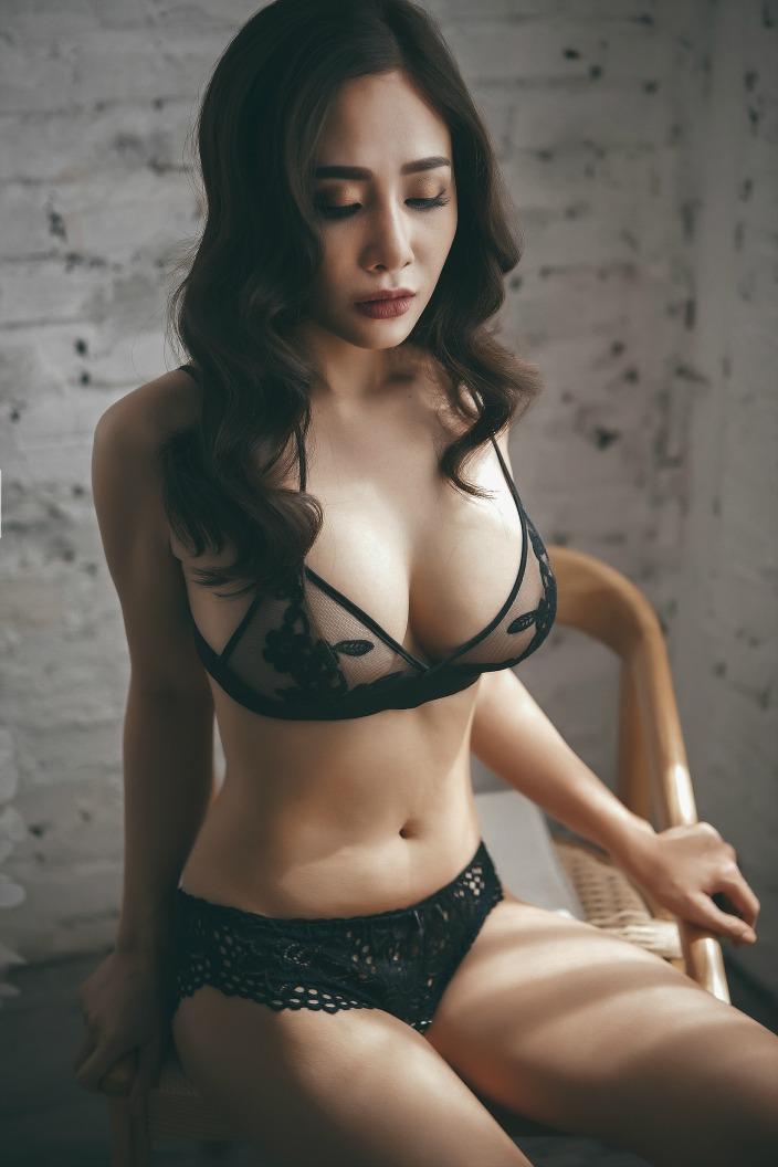 ve dep cuon hut khong the roi mat cua hot girl july tran 4bec82 Vẻ đẹp cuốn hút không thể rời mắt của hot girl July Trần
