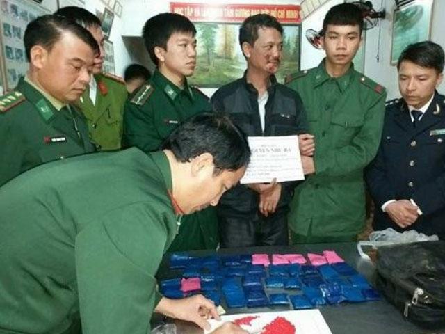 Bắt giữ đối tượng vận chuyển ma túy từ Lào về Việt Nam - Hình 1