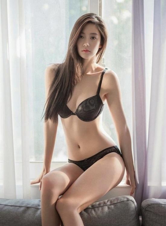 Đến Phi Thanh Vân, Angela Phương Trinh cũng phải khóc ròng khi nhìn thấy vòng 3 của nữ diễn viên này