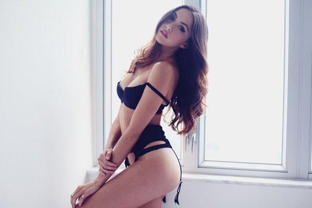 Mỹ nhân lai Lauren Rhoden bốc lửa, sexy tuyệt đỉnh