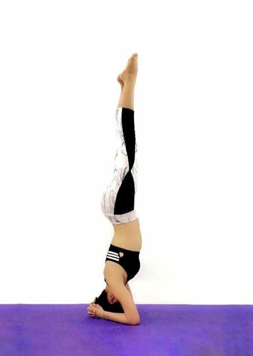 Tập yoga thế kim cương giúp cháu gái Lam Trường tự tin mặc bạo