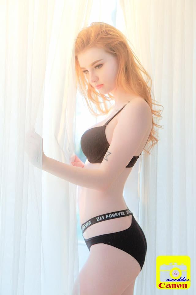 Cô nàng được mệnh danh là nữ thần Thái Lan với vẻ đẹp vừa thoát tục vừa nóng bỏng