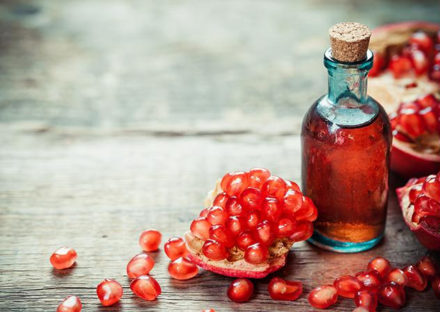 10 loại dầu thiên nhiên massage giúp trẻ hóa làn da - Hình 11