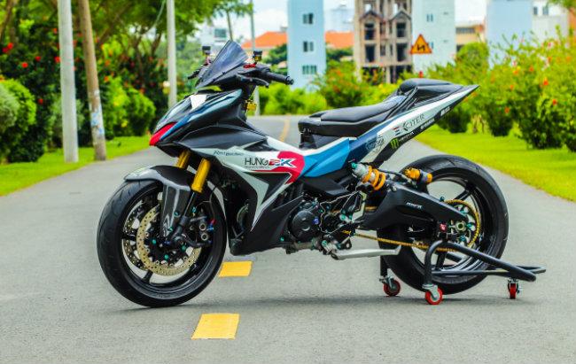 Cận cảnh Yamaha Exciter độ hút sinh khí từ các môtô hàng khủng - Hình 1