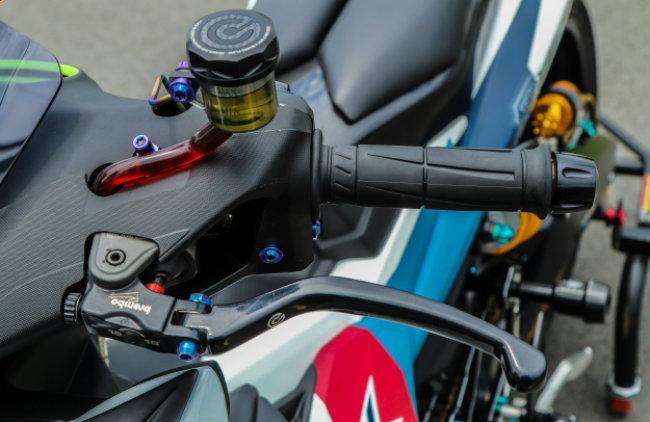 Cận cảnh Yamaha Exciter độ hút sinh khí từ các môtô hàng khủng - Hình 8