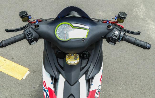 Cận cảnh Yamaha Exciter độ hút sinh khí từ các môtô hàng khủng - Hình 9