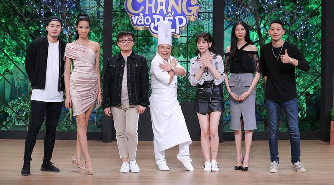 Hoàng Thùy, Cao Ngân không màng hình tượng, la hét đồng đội trong show nấu ăn - Hình 1