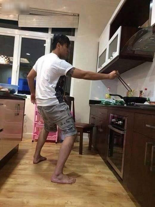 Khi đàn ông vào bếp thì các chị em chỉ có choáng thôi - Hình 4