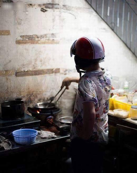 Khi đàn ông vào bếp thì các chị em chỉ có choáng thôi - Hình 3