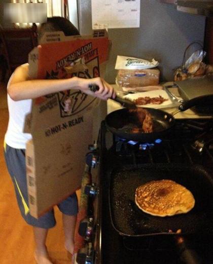 Khi đàn ông vào bếp thì các chị em chỉ có choáng thôi - Hình 12