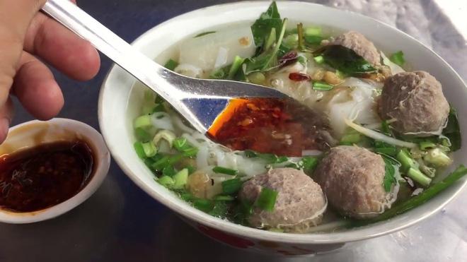 Không cần phải vào đến Sài Gòn, ở ngay Hà Nội thôi bạn cũng có thể tìm thấy thật nhiều loại hủ tiếu rồi này - Hình 10