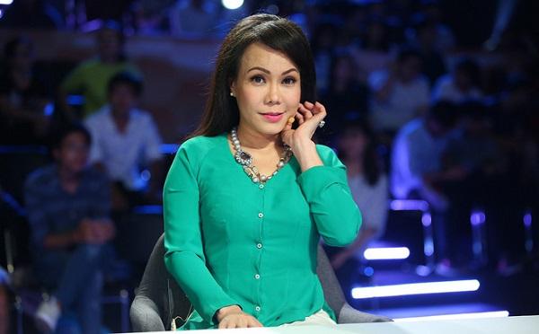 Make up và Photoshop quá đà, Việt Hương bị dân mạng mỉa mai già mà còn đua đòi - Hình 1