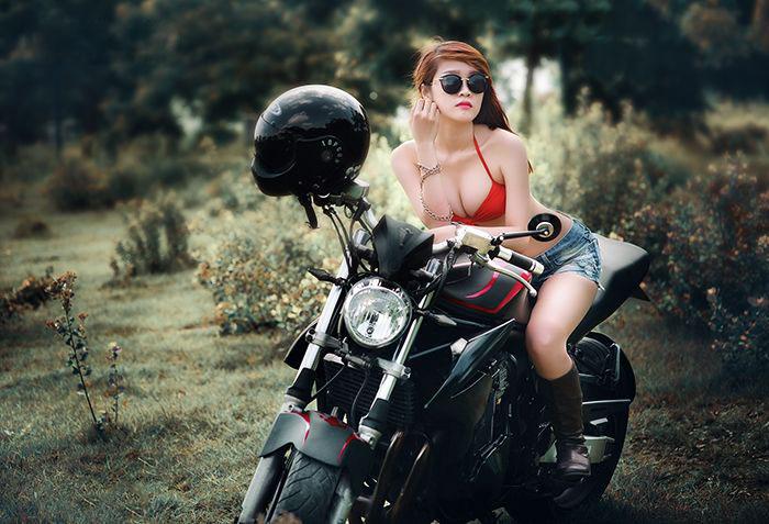 Ngắm bộ ảnh ngoại cảnh người đẹp Việt bên moto cực chất - Hình 4