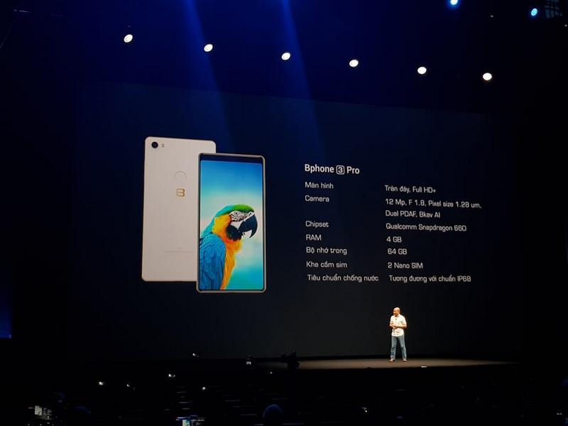 Trên tay nhanh Bphone 3 Pro: Chip Snapdragon 660, camera đơn xóa phông, giá 10 triệu - Hình 8
