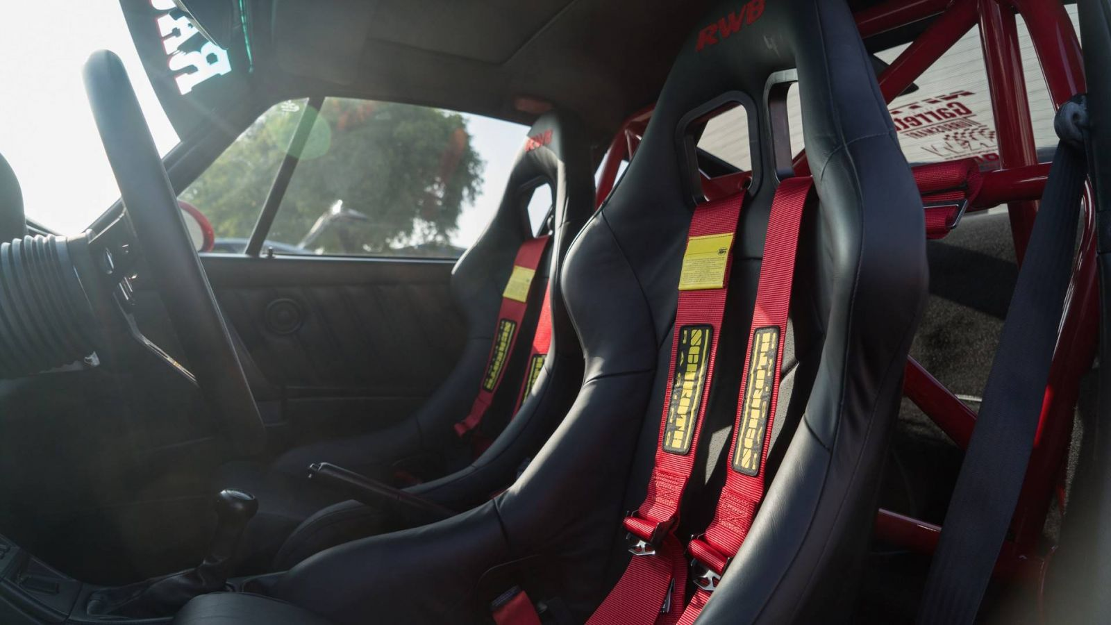 Chiêm ngưỡng chiếc Porsche 911 cổ điển độ phong cách xe đua RWB - Hình 7