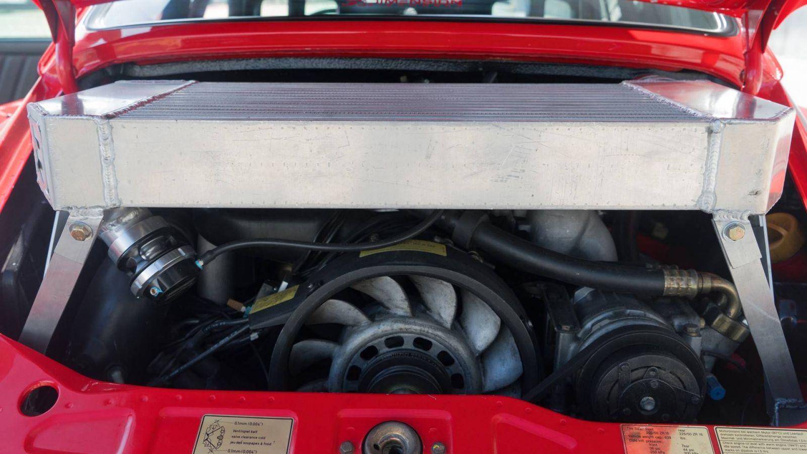 Chiêm ngưỡng chiếc Porsche 911 cổ điển độ phong cách xe đua RWB - Hình 6