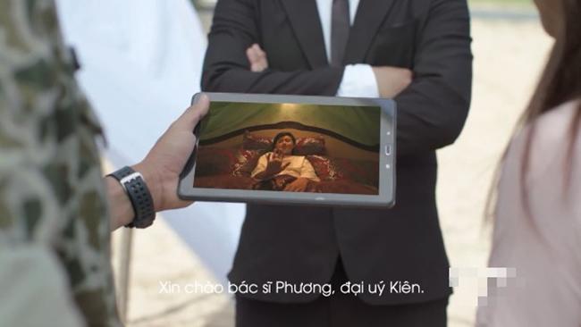 Sạn trời ơi Hậu Duệ Mặt Trời Việt: Dùng tảng thịt phẫu thuật, gọi video nhưng vô tư che camera - Hình 14
