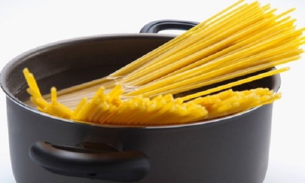 Tuyệt chiêu làm mỳ Ý sốt thịt bò bằm đơn giản mà ngon đúng điệu - Hình 1