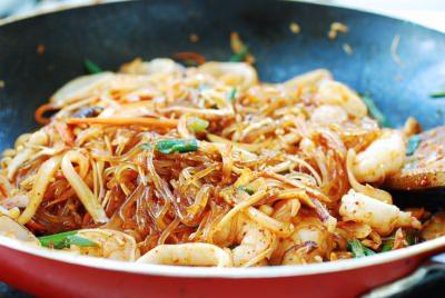 Bí quyết làm miến xào hải sản cực ngon, không bết dính như tại nhà hàng - Hình 9
