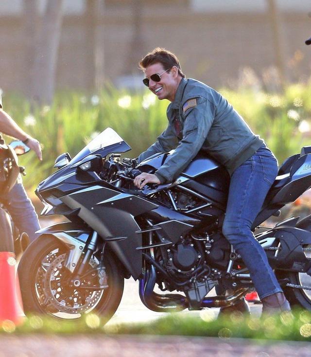 Hé lộ những hình ảnh phong độ của Tom Cruise trong phim Top Gun 2 - Hình 2