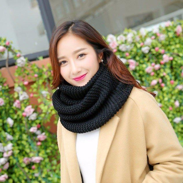 Những mẫu khăn quàng len siêu xinh cho nàng một mùa đông ấm áp - Hình 9