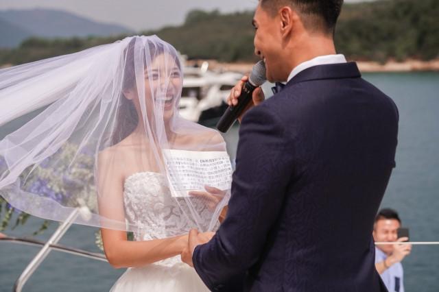 Lễ cưới trên du thuyền của tài tử TVB và người đẹp kém 13 tuổi - Hình 5