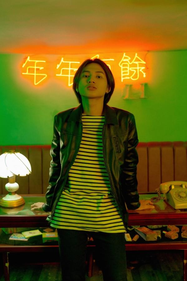 Ra mắt chưa được một ngày, MV bối cảnh Hồng Kông xưa đã gây sốt điên đảo - Hình 2