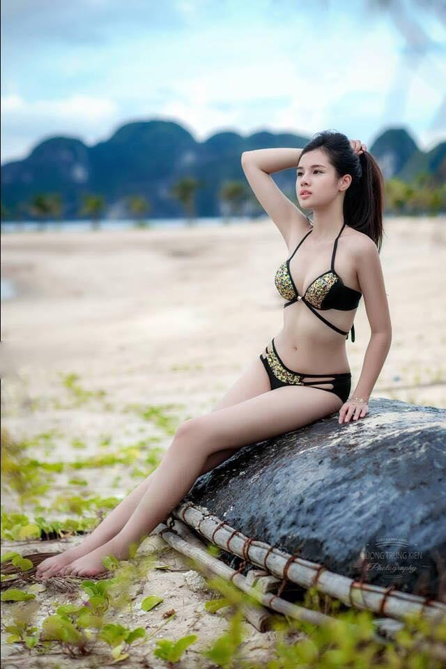 Cận cảnh bạn gái Văn Lâm, Trọng Đại, Duy Mạnh, Tiến Dũng đọ sắc cùng bikini - Hình 3