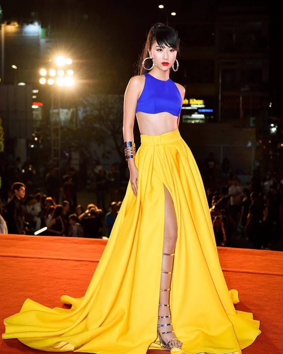 Học hot girl Quỳnh Anh Shyn kỹ năng phối màu trang phục đẹp thần sầu - Hình 1