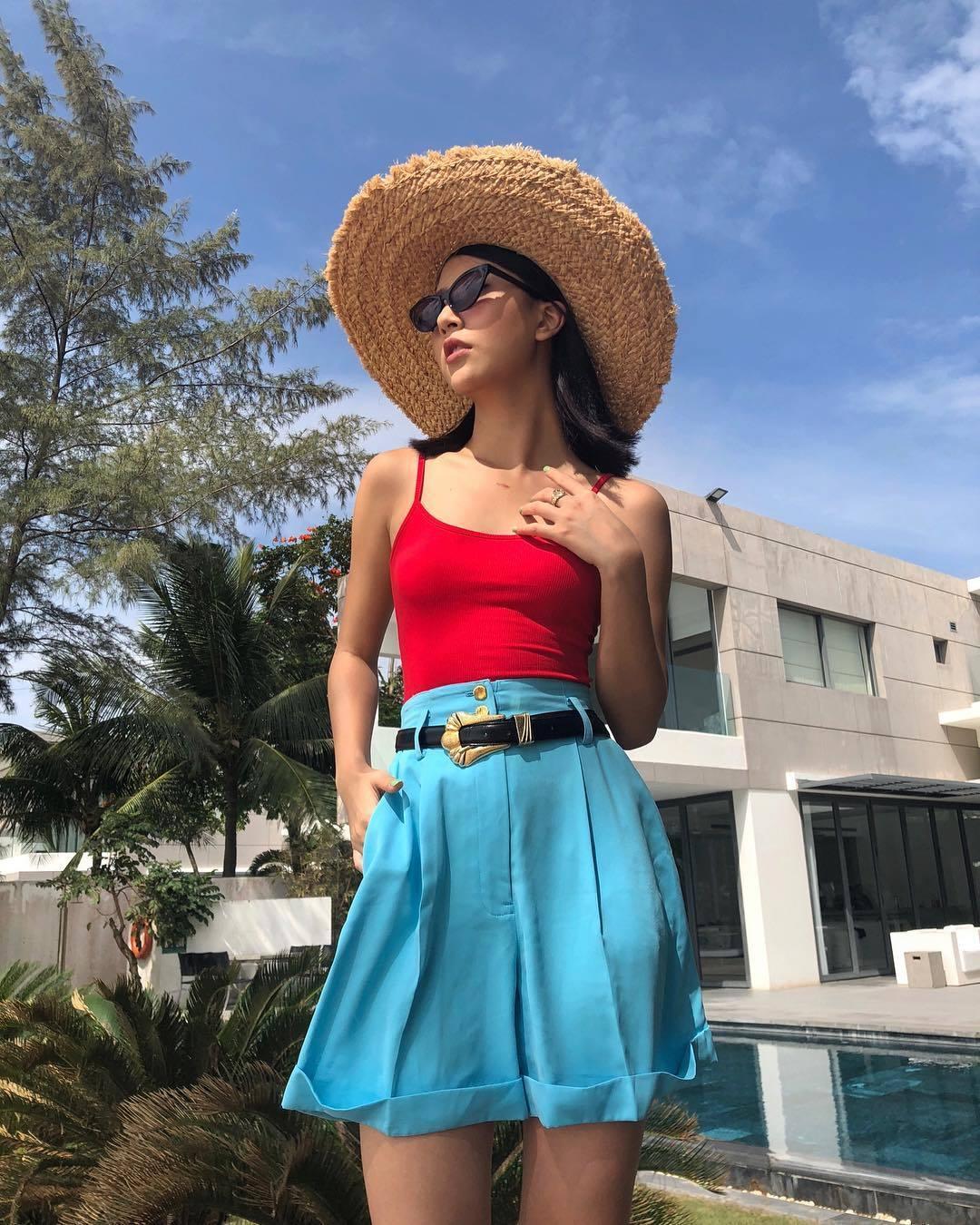 Học hot girl Quỳnh Anh Shyn kỹ năng phối màu trang phục đẹp thần sầu - Hình 2